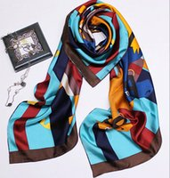 ingrosso marmitta s-2019 Elegent Women Large Square Foulard in seta stampata, 133 * 133cm Fashion Spring And Autumn Real Silk Sciarpa scialle Horse Scarves Lady's Muffler HO