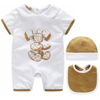 çocuklar için kısa yazlık elbiseler toptan satış-Bebekler Romper Bebek Bodysuit Yaz Kısa Kollu Bebek Giysileri Erkek Kız Şapka Önlüğü Üç Parçalı Set Çocuklar Elbiseler Rahat çocuk Dre