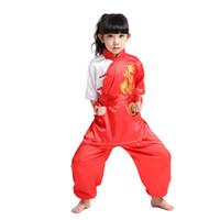 kız çince kostümleri toptan satış-Güzel Çocuklar Kısa Kollu Nakış Takım Elbise Çin Tarzı ErkekKız Kung Fu Setleri Ceket + Pantolon WuShu Dramaturgic Kostüm 0127
