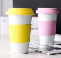 carro de té al por mayor-Cerámica Copa de silicona anti-planchar Tazas de coches tazas de cerámica con tapas de silicona botellas de leche té café Vaso de agua GGA2690