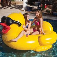 şişirilebilir float tüpleri toptan satış-Havuz Yüzen Sal 82.6 * 70.8 * 43.3 inç Yüzme Sarı Ördek Yüzen Raf Kalınlaşmak Dev PVC Şişme Ördek Havuz Yüzen Tüp Sal DH1136