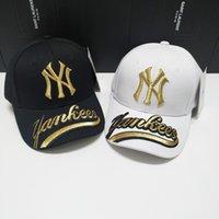 trajes de pelota de los hombres al por mayor-Sombreros Snapback de la marca caliente con gorras de béisbol de múltiples colores. Gorros Bboy hip-hop para hombres y mujeres, con sombreros negros, rosados y blancos.