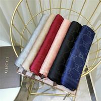 ingrosso donne in raso rosso plaid-Sciarpa del progettista di lusso del foulard di lusso della sciarpa del tergicristallo di protezione solare della sciarpa e dell'abbronzatura della sciarpa tessuta seta dorata dell'argento 2019