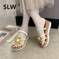 плоские ткани цветы оптовых-Shoes Slippers Platform 2019 New Women Slides Fenty Beauty On A Wedge Lady Low Flower T  Baby Sliders Flat Cotton Fabric