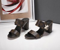 элегантные сандалии на каблуках оптовых-Весной и летом последние взрыва дизайнер дамы платформы на высоком каблуке сандалии, простой стиль, элегантный стиль, универсальные женские сандалии скольжения