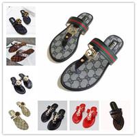 venta de zapatos anchos al por mayor-Venta caliente de Las Mujeres Sandalias zapatos de diseñador de gran tamaño Sandalias de lujo sandalias de Moda de Verano Ancho Plana Resbaladiza Con Sandalias Chancletas zapatillas