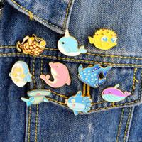 asiatischen mädchenkragen großhandel-Cartoon Emaille Revers Kragen Pin Corsage Brosche Tier Unterwasserwelt Fisch Hai Wal Delphin Seepferdchen Brosche Pin Schmuck für Frauen Mädchen