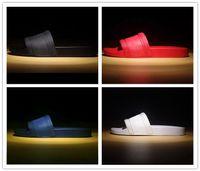Wholesale black men shower resale online - 2019 Mens Casual Air Beach Slide Sandals Medusa Scuffs Slippers Fashion Classic Europe Brand Slip on Sandals Hiking Walking Shoes