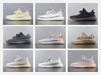 chaussures de sport kanye achat en gros de-2020 Hot Vente Gid Glow Antlia Form True Black Static Clay Top qualité Hommes Chaussures de course Kanye West V2 Femmes Athletics Chaussures de sport