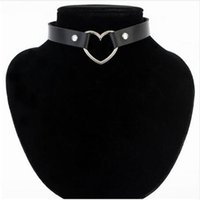 Wholesale Trendy Sexy Punk Gothic Leather Heart Studded Choker Necklace Vintage Charm Round Collar Necklaces Women Jewelry Gift