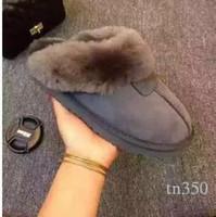 zapatillas de invierno para el hogar al por mayor-Diseñador de ventas calientes Australia Invierno Zapatillas de casa U 100% cuero genuino Zapatos cálidos para el hogar diapositivas de lujo G zapatos de diseñador Tamaño EU34-45