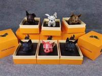 ingrosso scatole portachiavi-Portachiavi di lusso Designer Borsa con fibbia Borsa Borse con ciondolo Dog Design Doll Auto Catene Elegante fibbia chiave 6 colori Alta qualità e scatola opzionale