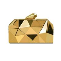 embrague geométrico al por mayor-Designer-Hot Geometric Pequeño monedero de metal para mujer Bolsos de noche de embrague de moda Bolso dorado plateado para bodas con cadena metálica larga
