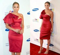vestidos cortos de dama de honor de vino tinto al por mayor-Las mujeres atractivas baratos vestidos cortos Vestidos de fiesta 2019 de la envoltura una longitud de la rodilla dama de Red Wine árabes Prom vestidos para Celebrity