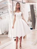 clássico vestidos de noite curto venda por atacado-Cetim Curto Vestido de Noite Simples Fora Do Ombro Vestido Clássico Branco Vestidos de Festa À Noite Uma Linha Formais Vestidos de Festa Do Baile