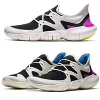 sandálias brancas para mulheres venda por atacado-Originals livre Rn 5.0 2019 tênis de corrida ao ar livre esportes Designer tênis de corrida sapatilhas sapatos de desporto sandálias de marca homens mulheres PRETO BRANCO