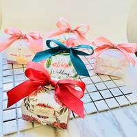 décoration de mariage achat en gros de-Nouveaux cadeaux de mariage et coffrets cadeaux en papier Flamingo Flower Candy Box Emballage Sacs pour les invités Cadeaux Décoration de mariage