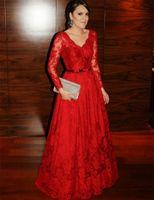 uzun kırmızı bağcıklı elbise toptan satış-Zarif V yaka Dantel Aplike Kırmızı Abiye Kuşak Uzun Kollu Boncuklar ışıldamaya Kat Uzunluk Dantel Abiye Ünlü Abiye