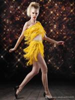 imagens de nice dresses venda por atacado-Nice Pop Profissional Real Pictures Pop Vogue Um Ombro Duas Peças Tassel Rivet Frisado Estágio Vestir Vestidos Latin Curtos