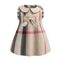 bebek kızları için yeni stil elbiseler toptan satış-Bebek Kız Ekose Elbise 2019 Yeni Stiller Çocuk Kız Sevimli Yay Yaka Kolsuz Pamuk Elbiseler Moda Yüksek Kalite Elbise