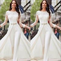 t-shirt plus größe weiß großhandel-Weiß Jumpsuits Hosen Langarm Brautkleider Spitze und Satin mit overskirts Perlen Kristalle Plus Size Brautkleider Vestidos De Novia