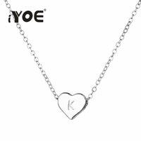 collar de cadena de oro para los niños al por mayor-IYOE lindo Nombre Iniciales del collar del corazón de las mujeres Gargantilla del alfabeto A-Z del color oro cadena de la plata Collares Letter regalos para niños Amistad