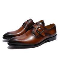 ingrosso gli uomini di stile europeo vestono i mocassini-Scarpe fatte a mano stile europeo fatti a mano in vera pelle da uomo marrone monaco cinghia formale scarpe ufficio affari abito da sposa fannullone scarpe
