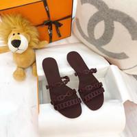 dama zapatos de verano jalea al por mayor-Envío libre 2019 CALIENTE de lujo de las mujeres del diseñador de moda jalea sandalias de la señora de los deslizadores del verano Casual Zapatillas chancletas de los zapatos de arena plana