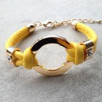 bracelet großhandel-Neue heiße verkauf mode-accessoires handgefertigt retro pu lederarmband damenmode armband männer frauen kette anhänger geschenk tasche zubehör