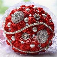 brosche dekorationen großhandel-Lesen Satin Rose Brautstrauß Hochzeitsdekoration Kristalle Künstliche Blume Brautjungfer Braut Hand Holding Brosche Blumen
