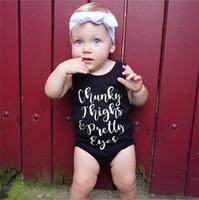 satılık siyah tulumlar toptan satış-Bebek Tulum Bebek Yelek Romper Çocuk Tulum Toddler Kız Yaz Giysileri Erkek Kolsuz Siyah Mektup Baskı Moda Giyim SATıŞ A41603