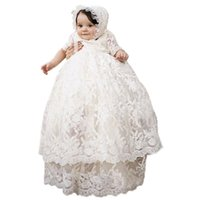 8b562490db4 Bébé filles nouveau-né robe de baptême longue pleine dentelle bébé baptême  vêtements robe bébé filles anniversaire avec Bonnet