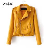 chaqueta de piel sintética amarilla al por mayor-Faux Leather Buckle Belt Epaulet Detail Moto Jacket 2019 Glamorous Yellow Womens Outer Posh manga larga mujer abrigo