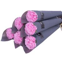 flores do dia dos professores venda por atacado-Emulação Cravo Dia das Mães Gillyflower Professores Dias Soap Flor Cravo Rosa Brinde Promocional Azul Roxo Moda 1 09dt C1