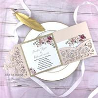 kits casamento convites laser cut venda por atacado-Romântico Blush Rosa Flor Da Primavera Glittery Laser Cut Bolso Casamento Convite Kits, Livre Enviados por UPS