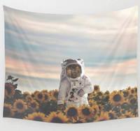 ingrosso tela di arazzo-Space Astronaut Tapestry Wall Hanging Art Banners Bandiere Camera da letto Dormitorio Divano Sfondo Decorazione Spaceman stampato Canvas Beach Blank GIFT
