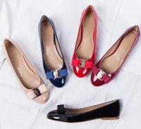 kravat yastıkları toptan satış-Kadın Patent yay Flats Hakiki Deri Bale Ayakkabıları Kadın Papyon Tasarımcı Flats Bayanlar Zapatos Mujer Sapato Feminino