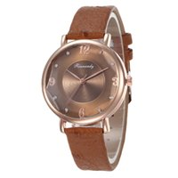 oberflächenarmbanduhren großhandel-Kleine neue Design Mode Frauen Uhren Roségold Luxus Quarzuhr Damen Schnittfläche Leder Armbanduhren Frau Uhr