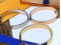 mejor pulsera de oro para las mujeres al por mayor-Brazalete de la pulsera del oro de la marca para las pulseras de la plata del acero inoxidable del diseñador de la mejor calidad de las mujeres con el bolso de la marca