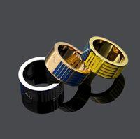 verlobungsring v form großhandel-Neue Designer Hochzeit Ringe für Liebhaber Designer Marke V Form Ring Buchstaben Stil Verlobungsring für Frauen Männer Geschenke