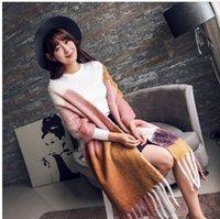 mezcla de bufanda de invierno al por mayor-Bufanda larga de la borla gruesa para las mujeres color mezclado salvaje cálido chal mujer otoño e invierno nuevo color bufanda con flecos