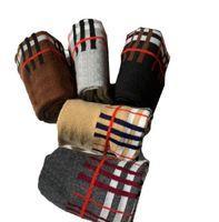 bas de treillis achat en gros de-Chaussettes à carreaux classiques Chaussettes en treillis rayées unisexes chaudes, bas de coton automne-hiver, chaussettes de sport respirant hip hop 5 paires / set GGA1980