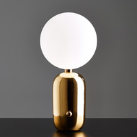 led ışıklar ücretsiz toptan satış-Post-modern Ay Led Gece Işık Yatak Odası Başucu Salonu Masa Lambası Altın / Siyah / Beyaz Cam Top Masa dekorasyon Ücretsiz Kargo