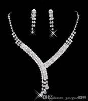 parlayan düğün yüzükleri toptan satış-Stokta 2019 zarif Shinning Rhinestone Düğün Parti Küpe Kadınlar için Bilezik Kolye Yüzük Jewel Set Balo Akşam Ücretsiz Gemi 15023