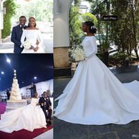 porträt hülse brautkleid großhandel-Afrikanische arabische schwarze Mädchen eine Linie Satin lange Brautkleider 2020 neue Porträt Ausschnitt mit langen Ärmeln Brautkleider lange Hofzug BC2296