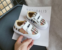 Wholesale boys shoes lights resale online - Christmas spring New Korean version Colored grid White Boy fashion Sneakers student light Girl casual shoes tide black white
