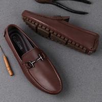 homens sapato sapato venda por atacado-Homem Sapatos de couro genuíno Verão Mens Mocassim de couro sapatos da moda Loafer Homens de luxo tamanho grande 38-47 Masculino Calçado Casual