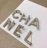 hochzeit broschen gesetzt großhandel-Neue design 6 teile / satz Frauen Mode Buchstaben Pins Broschen Gold / Silber Überzogene Hohe Qualität CZ Buchstaben Broschen Pins Für Party Hochzeit
