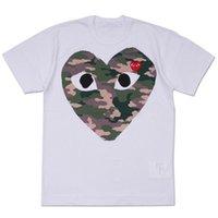 красная пара майка оптовых-Женская одежда COMMES Японская хлопковая футболка с короткими рукавами DES GARCONS Red Heart Emoji OFF Мужчины Женщины Камуфляж с большим сердцем WHITE Couple LOVER