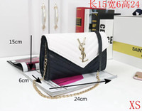 çanta perçinleri toptan satış-Avrupa ve Amerika marka kadın çanta Moda kadın haberci çantası perçin tek omuz çantası Yüksek kaliteli kadın çanta çanta cüzdan B09